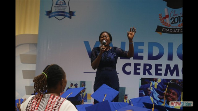 Pastor Omoh Alabi Releasing Words of Blessing On The Graduating Pupils